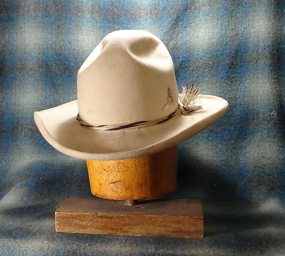 Old West Drifter Custom Fit Fur Felt Cowboy Hat Etsy In 2021 Felt Cowboy Hats Cowboy Hats Hats