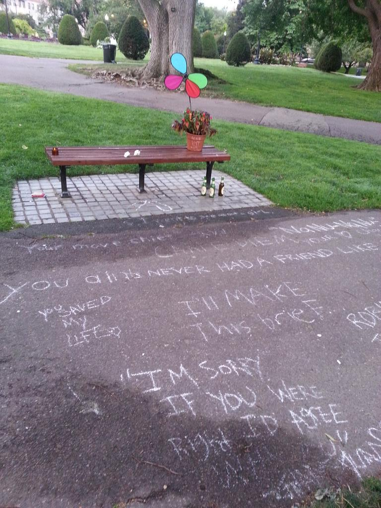 Good Will Hunting Park Bench Becomes Robin Williams Memorial Site Good Will Hunting Robin Williams Hunting Bench