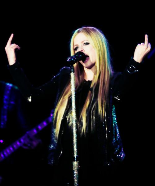 Avril  | via Tumblr