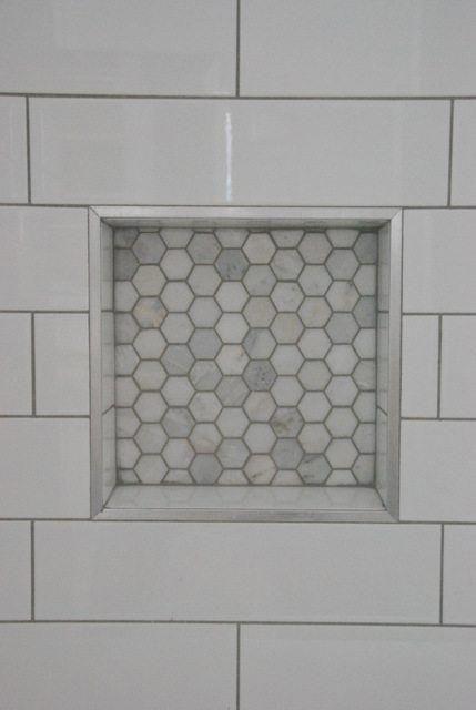 Photo of Duschdesign: U-Bahn-Fliesen- und Marmorfliesen-Nische