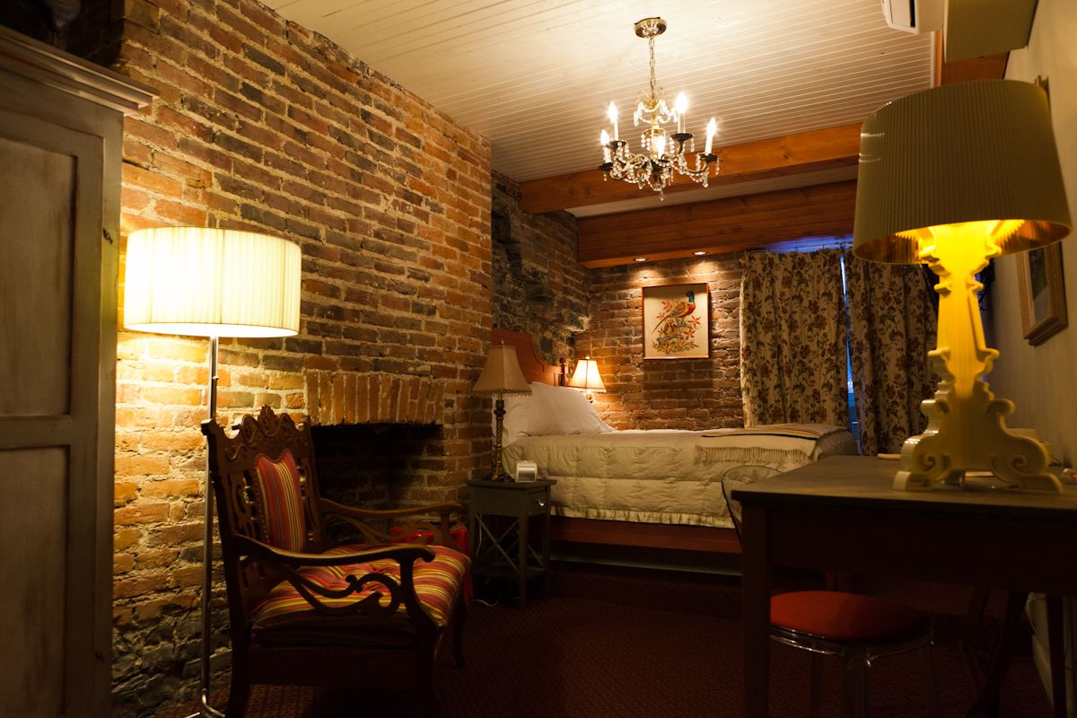 Hotels Du Vieux Quebec Photos Reportage Et Web Design Auberge Place D Armes 4 Etoiles Vieux Quebec Ville De Quebec Web Design
