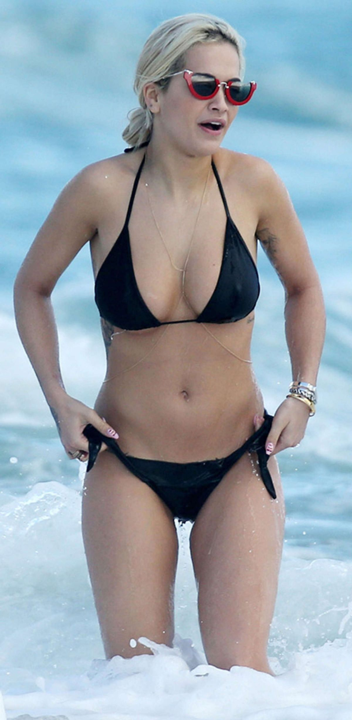 a04a8e0333 Rita Ora In A Bikini On A Beach In Miami