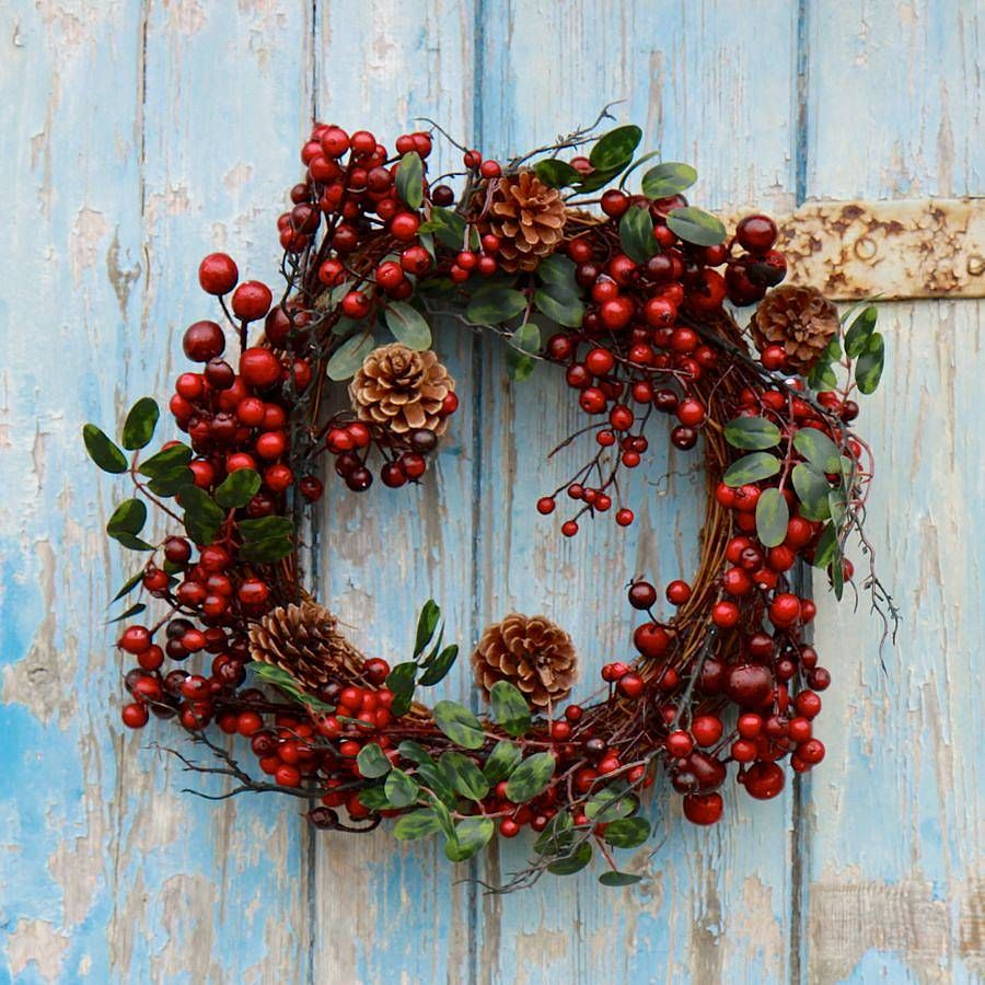 How To make beautiful Decorate Christmas Wreaths : Fancy Natural Christmas Wreath With Dry Plant Root And Small Cherries Into Circle Shape Mixed With Pine Cone