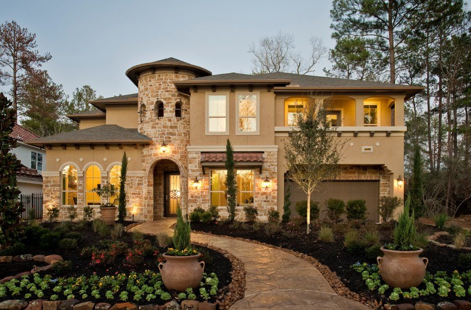 I love this house , its like a mini  castle!!