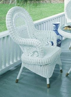 Incroyable Victorian Wicker Chair Def Would Go Great Outside On The Front Porch