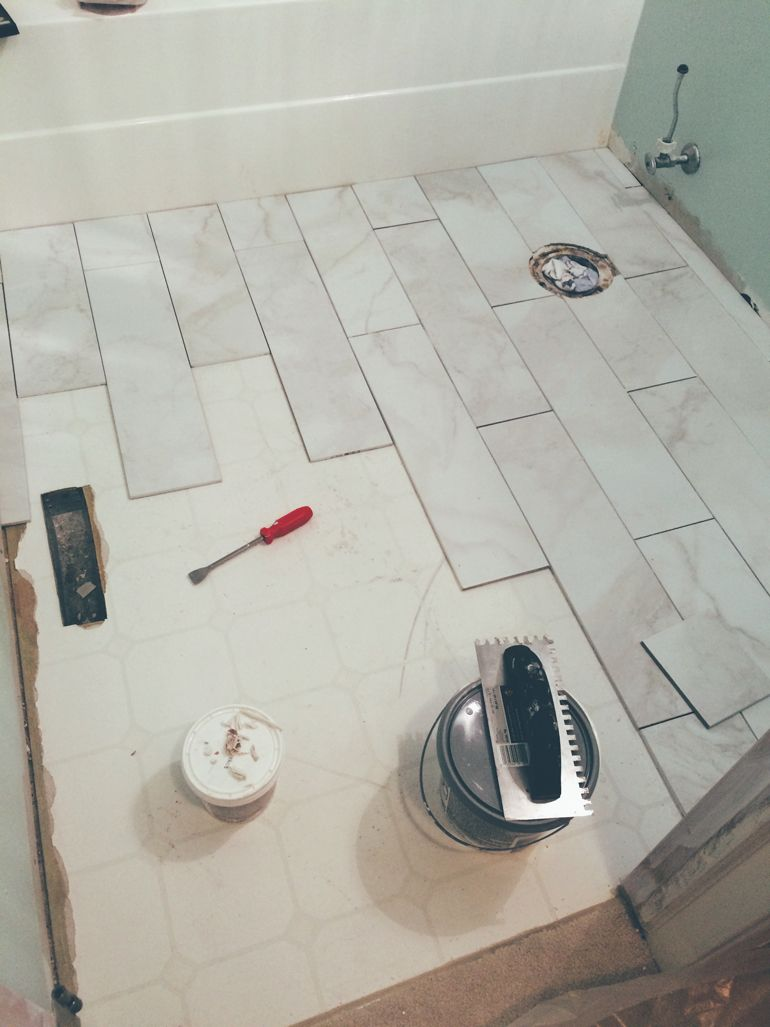 Small Bathroom Redo On A Budget #makeover #DIY #bathroom