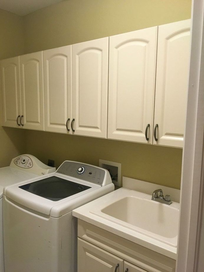 Change THIS one thing about your old cabinets to make them ...