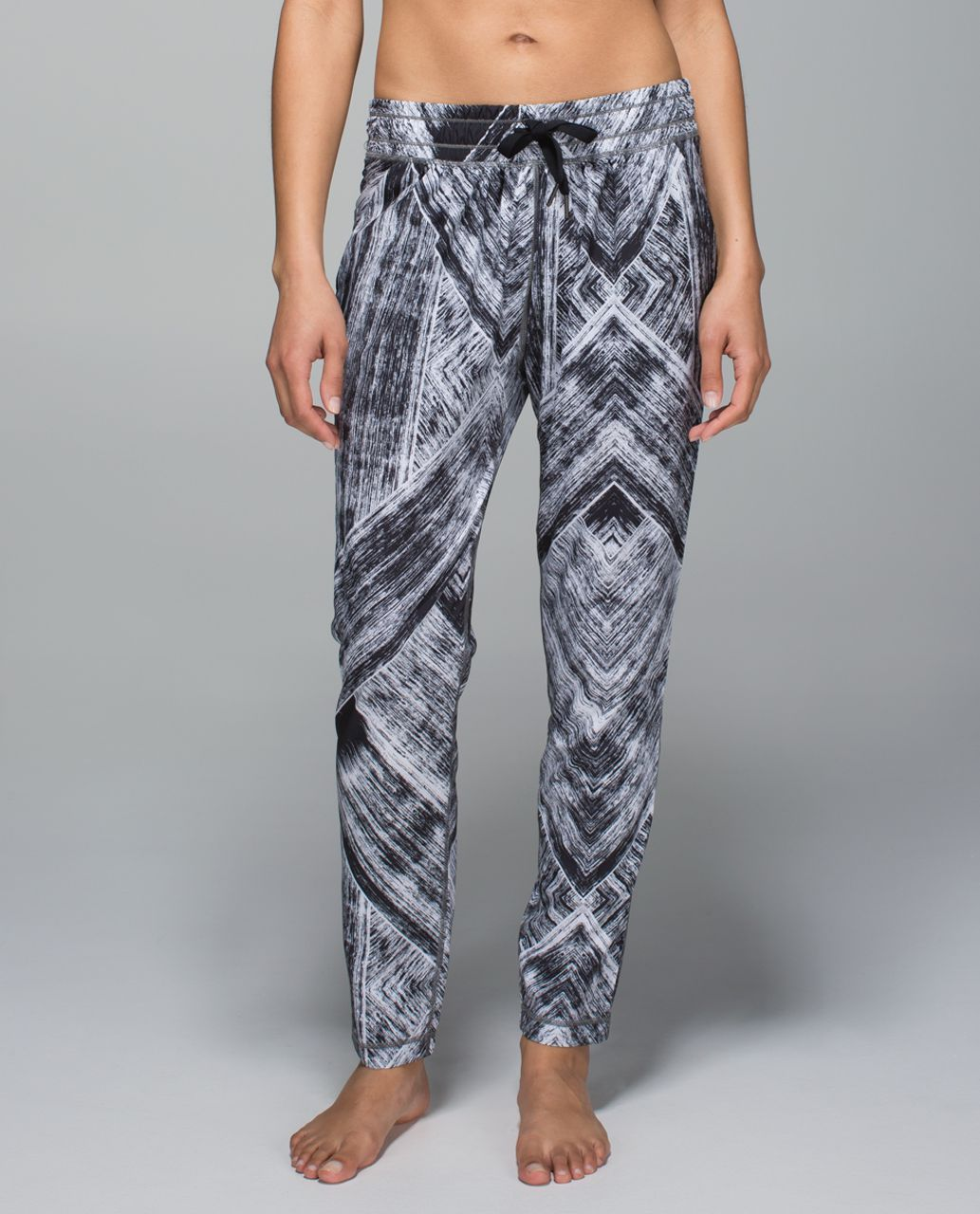 f275632267 Lululemon Namaskar Pant II - Heat Wave White Black | Lululemon ...