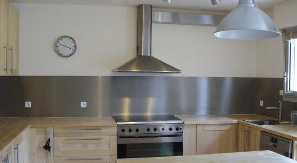 Best 25 credence inox ideas on pinterest carrelage inox cr dences en verr - Panneau mural cuisine ...