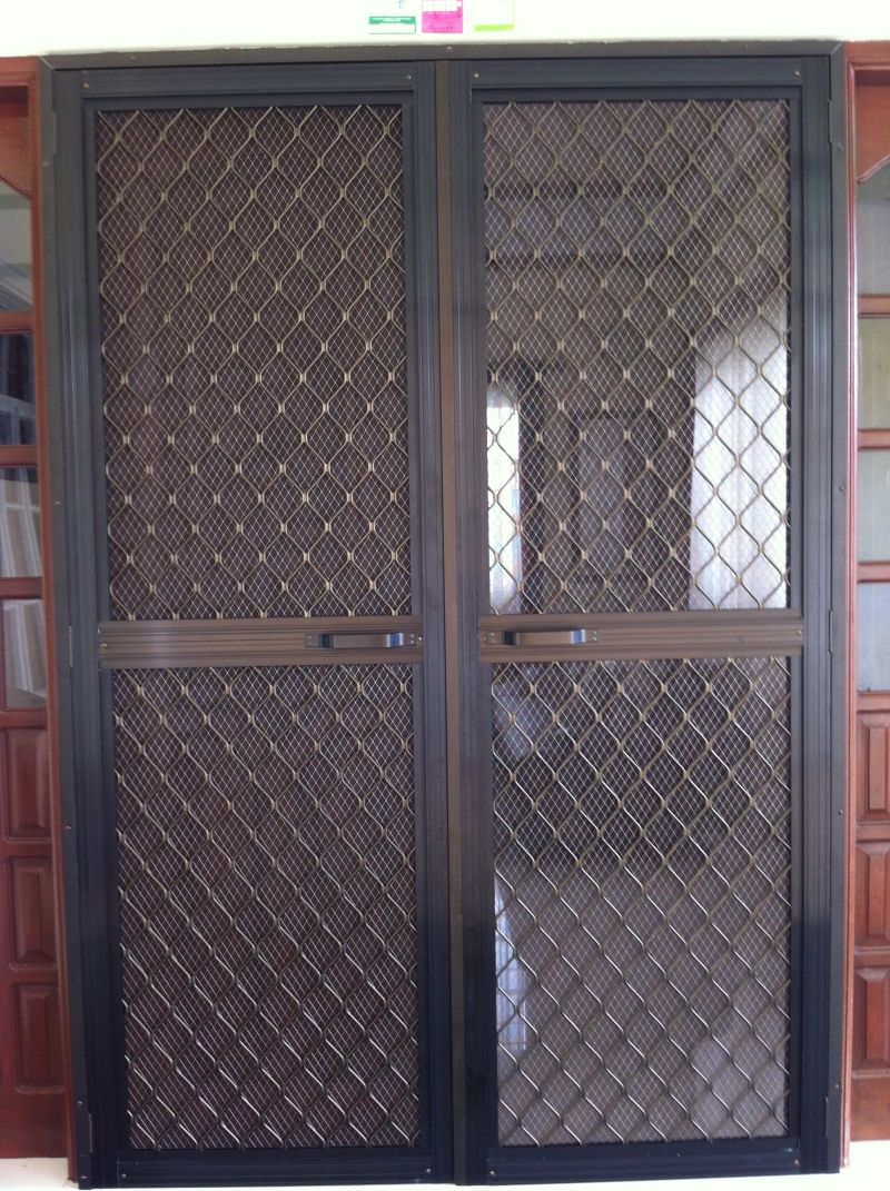 Double Swing Type Screen Door On Alcoframe Profile Aluminum Screen Doors Double Screen Doors Screen Door