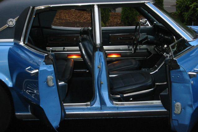 1967 FORD THUNDERBIRD 4 DOOR HARDTOP
