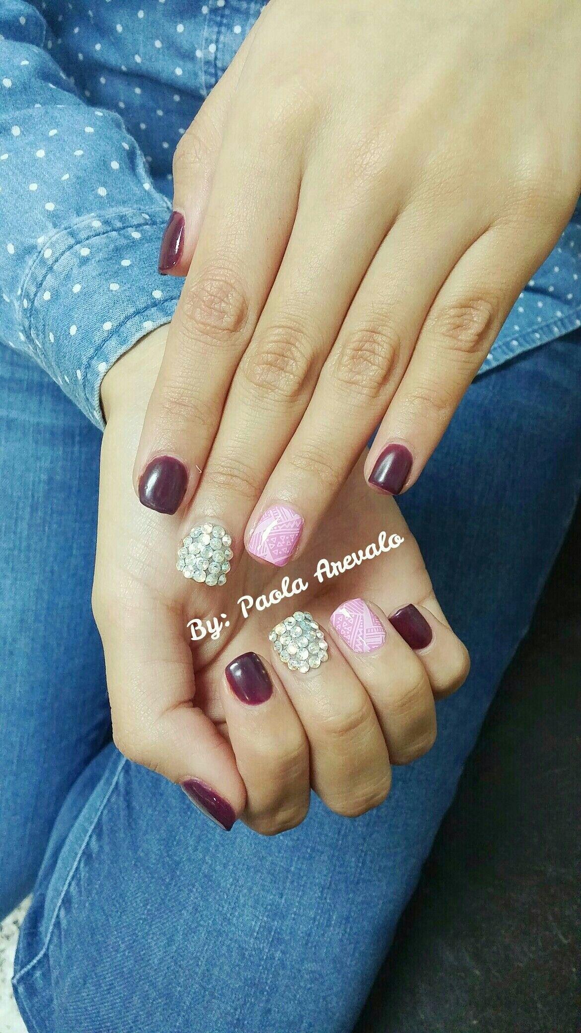 Gelish vino, rosado con blanco y pedreria | Arte de uñas ...