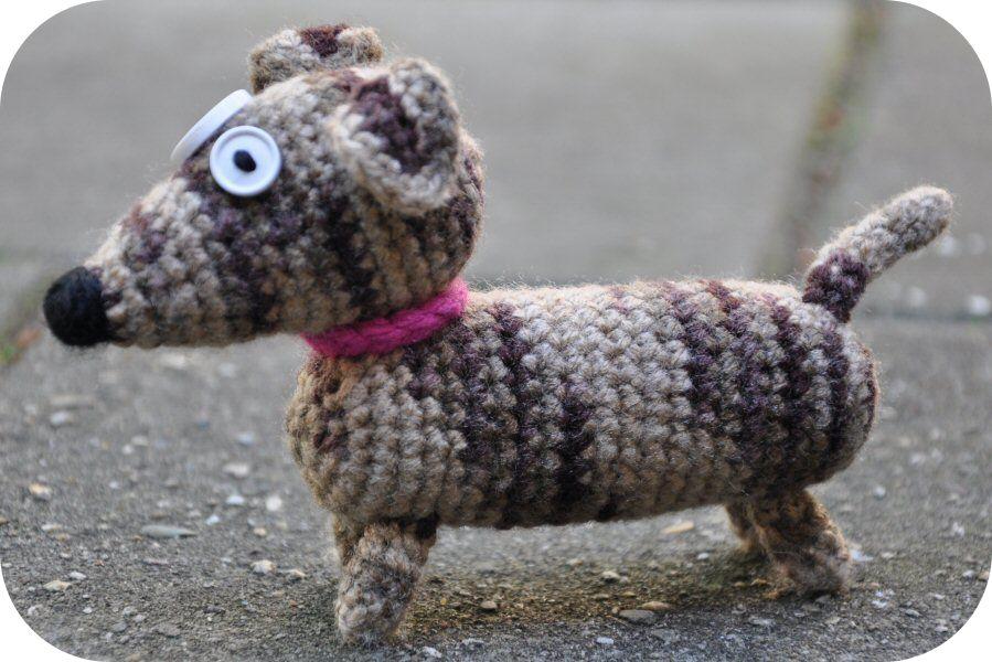 Free Amigurumi Dachshund Pattern : Grietjekarwietje pattern toedels the dachshund yarnbombing