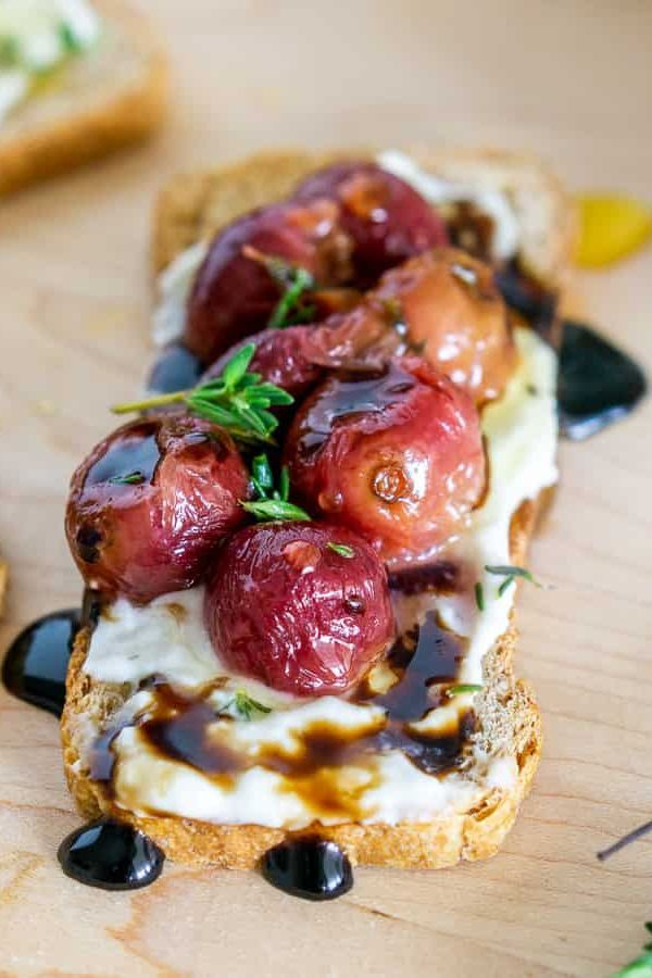 Blue Cheese Spread Crostini with Roasted Grapes