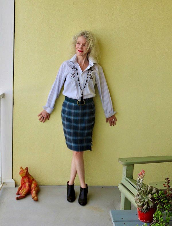 70628ee835 A Modern Plaid Skirt: Visible Monday | All Things Plaid | Plaid ...