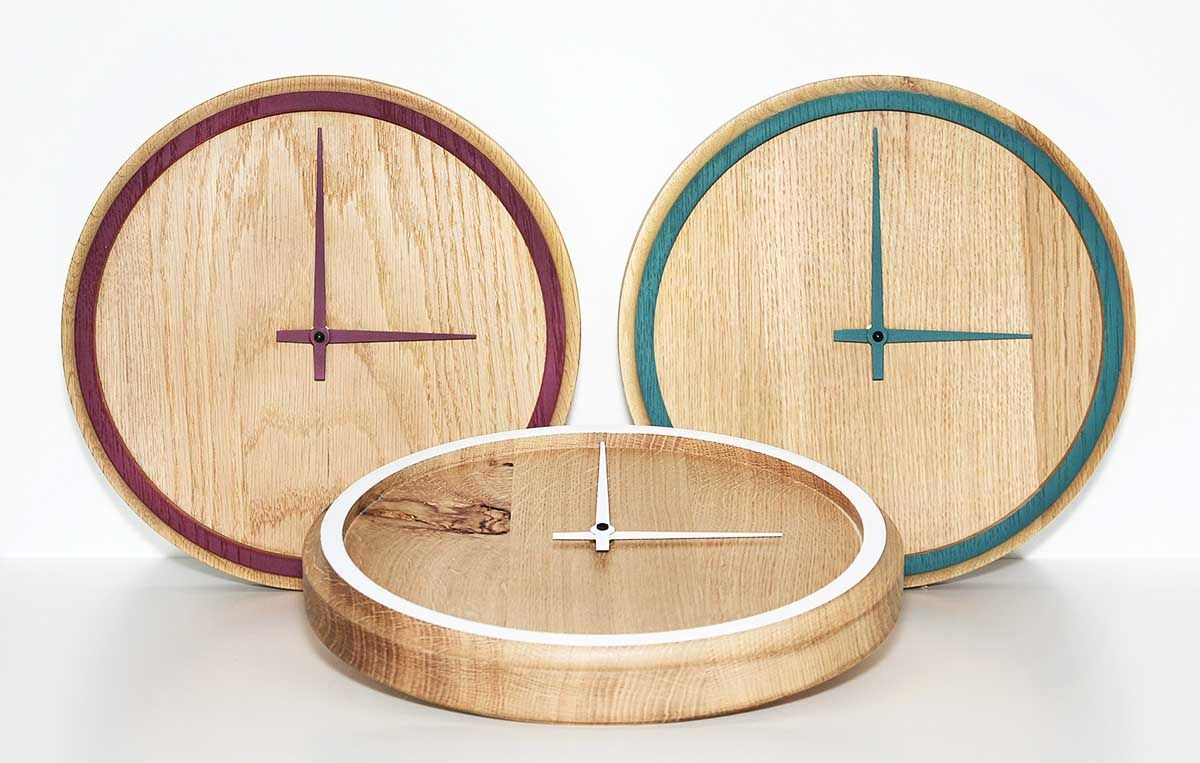 These wall clocks offer a pop of accent color | Huis | Pinterest ...