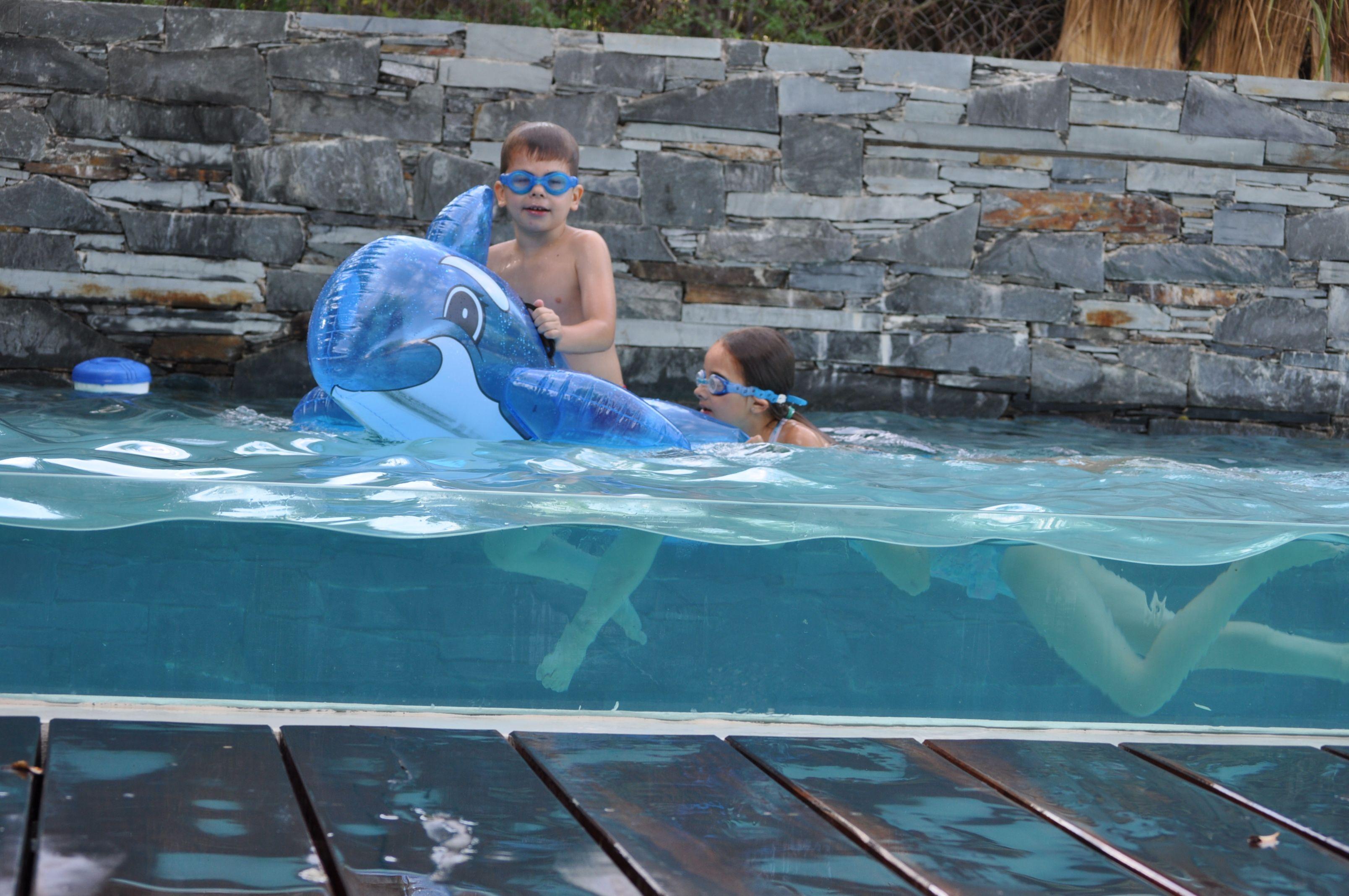 Piscina infinty glass lengua de agua iluminacion - Vidrio para piscinas ...