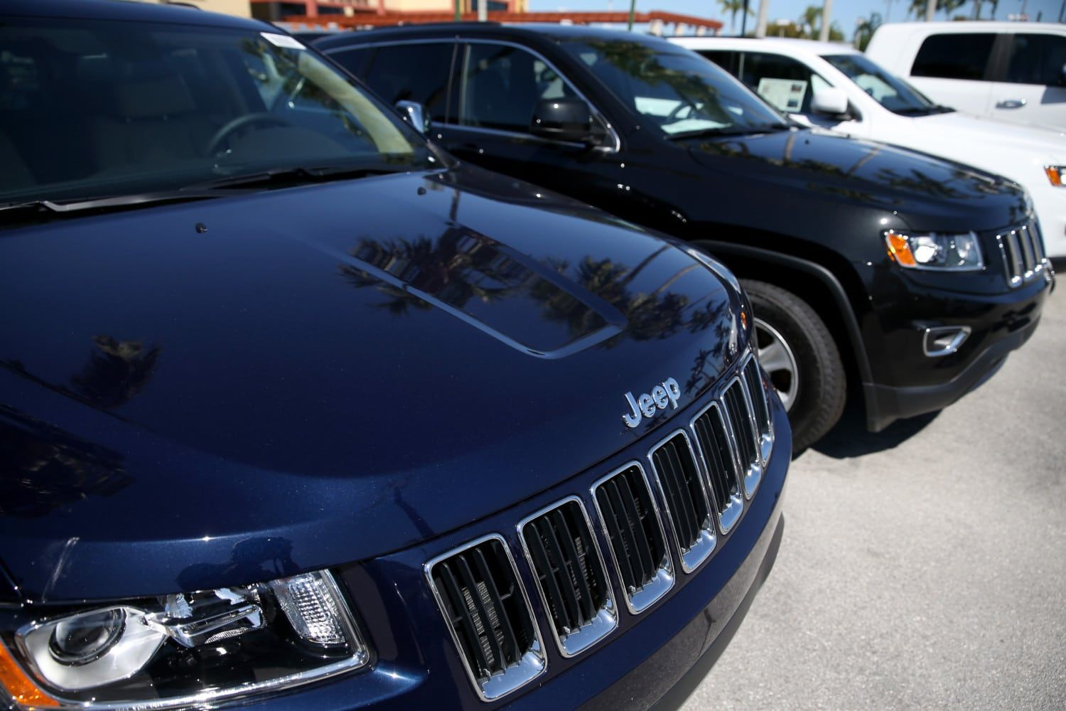 medium resolution of fiat chrysler recalls 4 8 million vehicles that could get stuck in cruise control