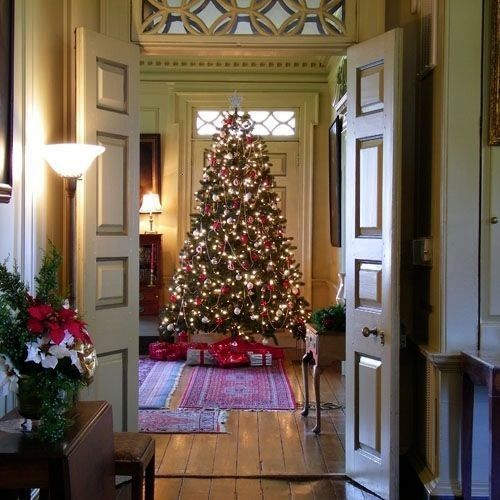 less than perfect Christmas in Williamsburg VA my favorite time to vis Nothing less than perfect Christmas in Williamsburg VA my favorite time to visit Nothing less than...