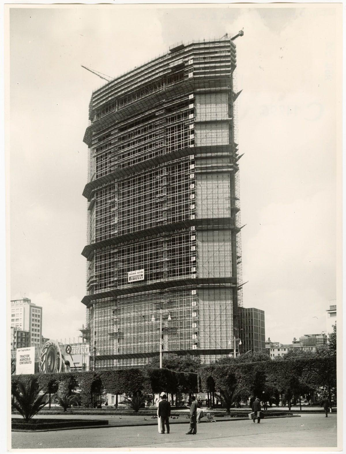 """Azienda Agricola Porta Magenta skyscraper age"""": an exhibition about the history of the"""