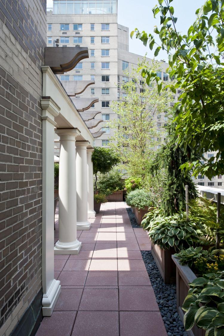Kletterpflanzen Auf Balkon Und Terrassen Sichtschutz Und Begrunung Mit Bildern Gartengestaltung Englischer Garten Gartenbilder