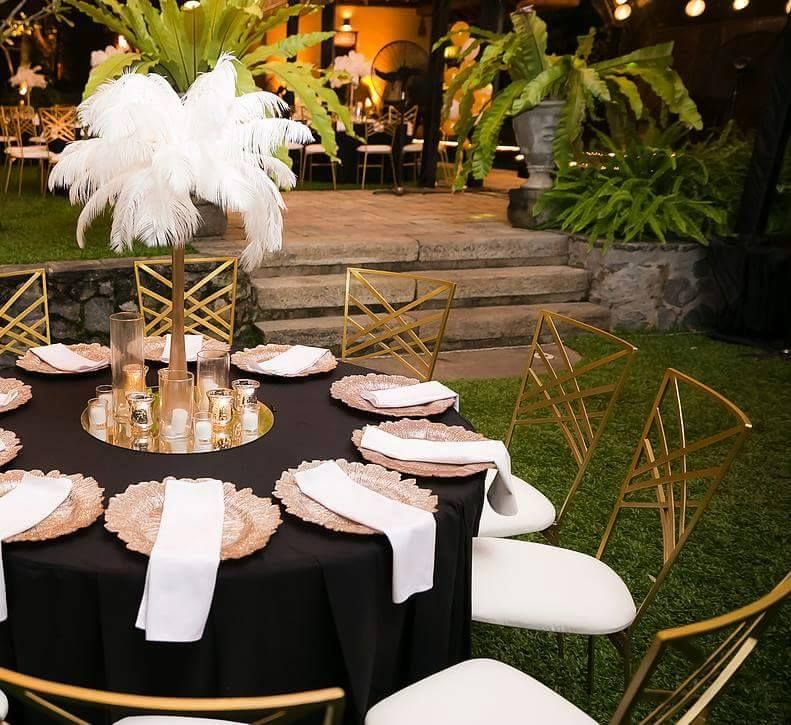 Great Gatsby Table Setting Suitable For Buffet Style