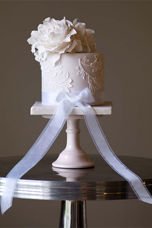 Single tier wedding cakes irresistible designs wedding cakes