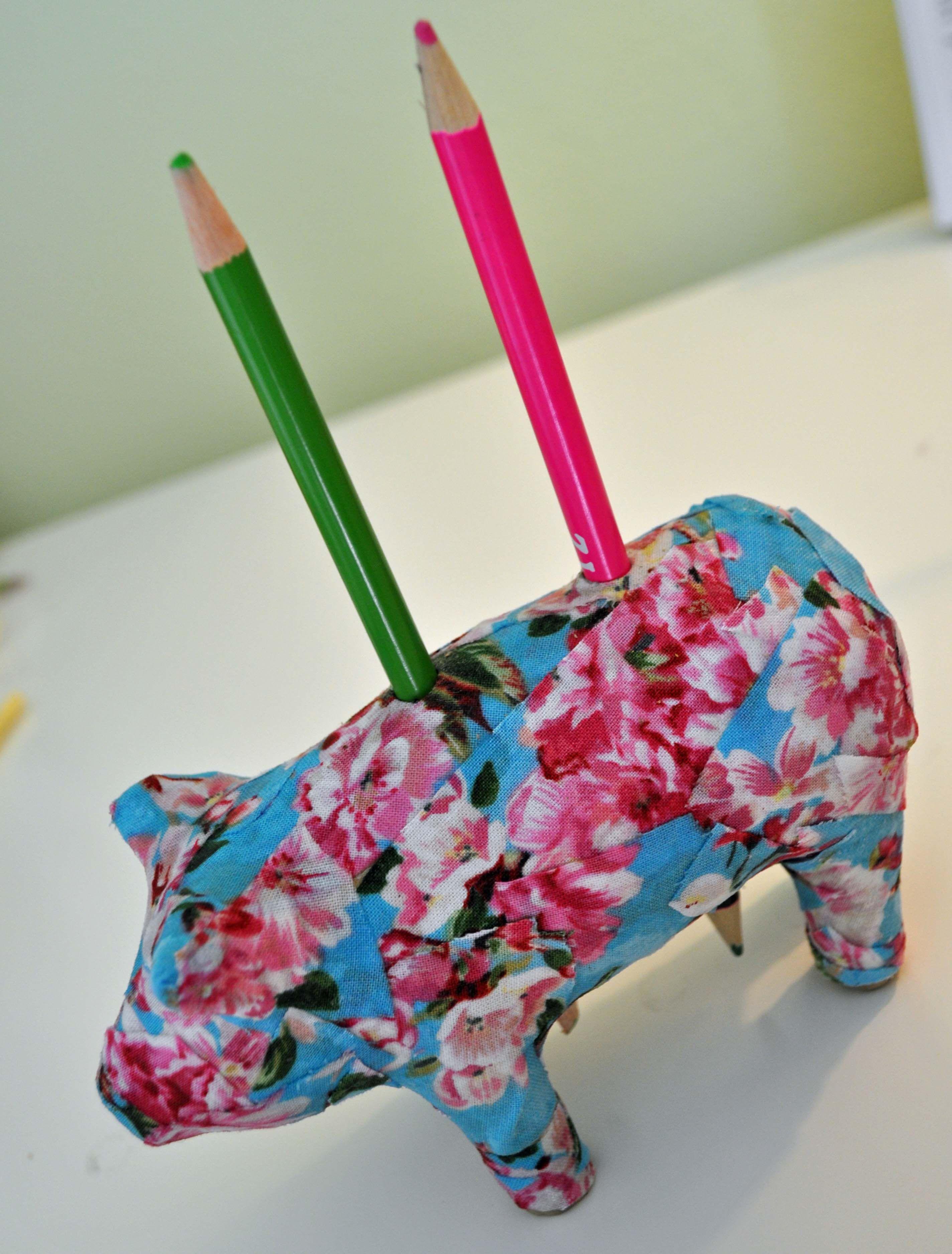 Kids Craft Blog by PlaidOnline com - Tuesday Tutorial: Piggy