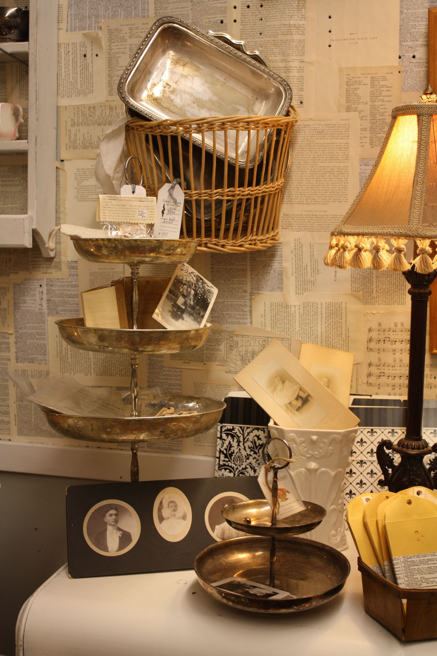 A Lil Peek At My Booth Space Pose Pinterest Antique Mall