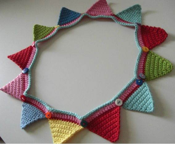 A Crocheted Bunting 'Frame' {pattern from the Attic24 blog}