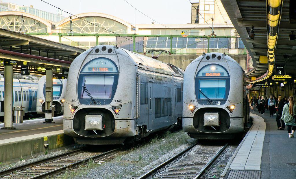 Alstom Emu S From Coradia Duplex Family From Sj X40 Series At Stockholm Central Station In Sweden Eisenbahn