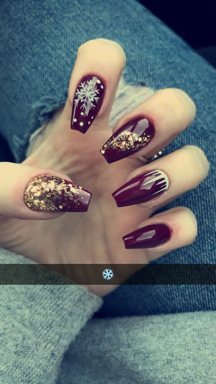 Burgundy Christmas Acrylic Coffin Nails With Gold Glitter And Snowflake Nail Art Gold Acrylic Nails Gold Nails Christmas Nails Acrylic