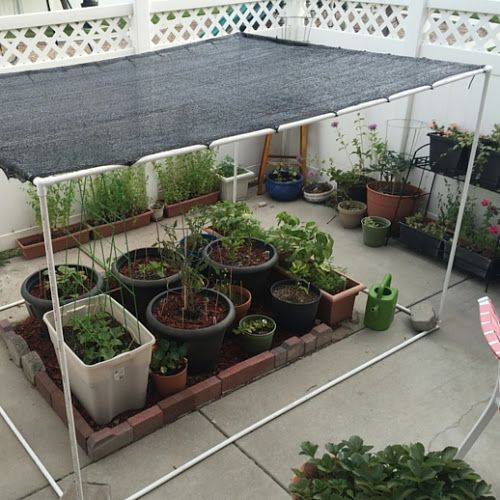 DIY: Freestanding Shade Canopy for Garden #shadecontainergardenideas