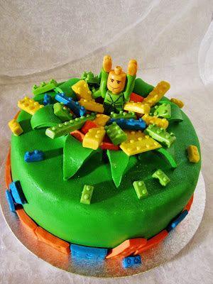 Purppurahelmen juhla- ja  fantasiakakut: Legokakkua
