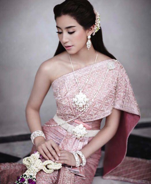 Mint Chalida Thai Traditional Dresstraditional Clothestraditional Fashionthai Wedding