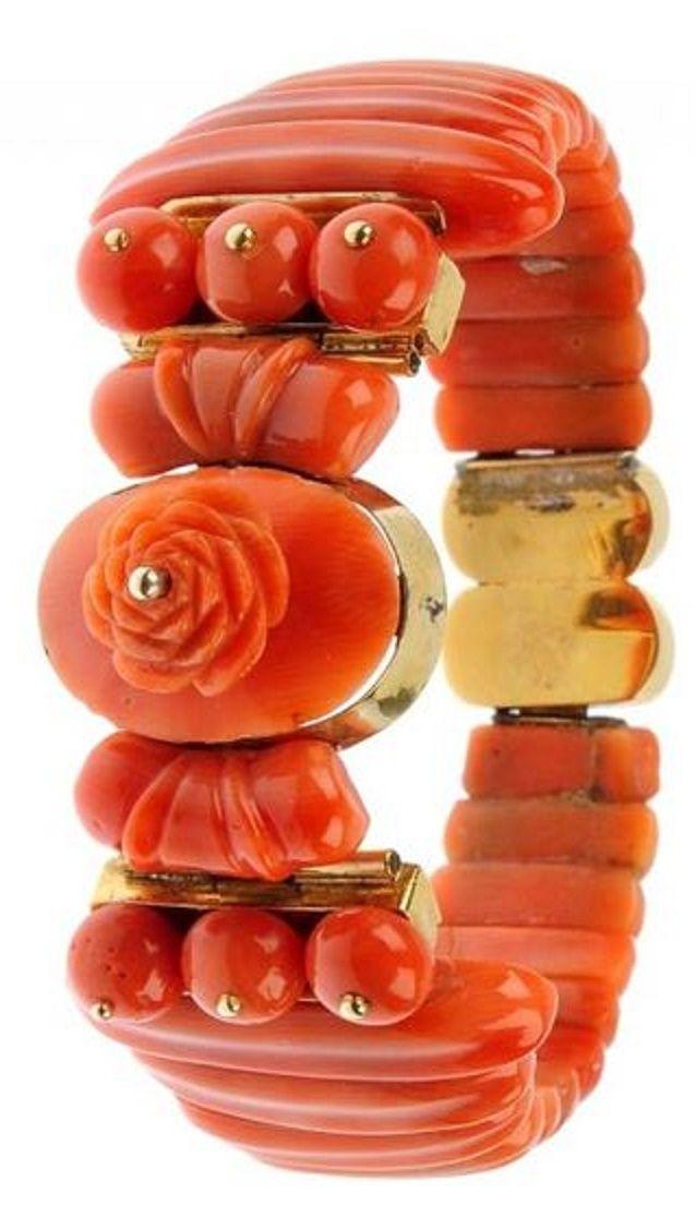 Coral bracelet 19 th