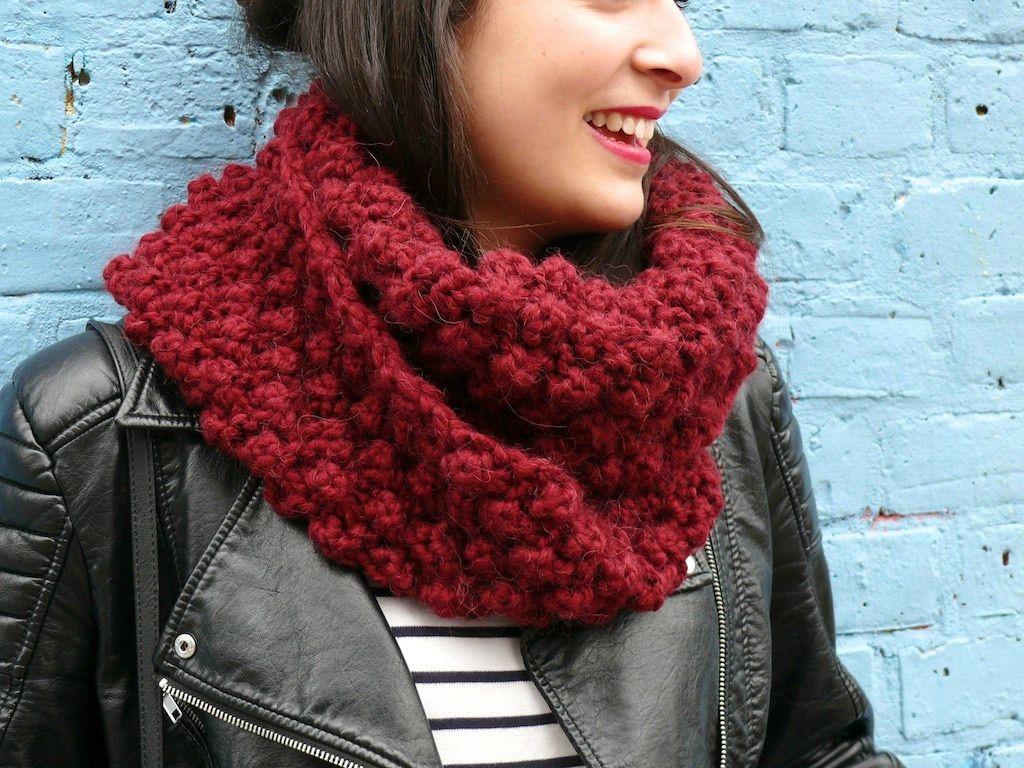 tricoter un snood au point d'astrakan