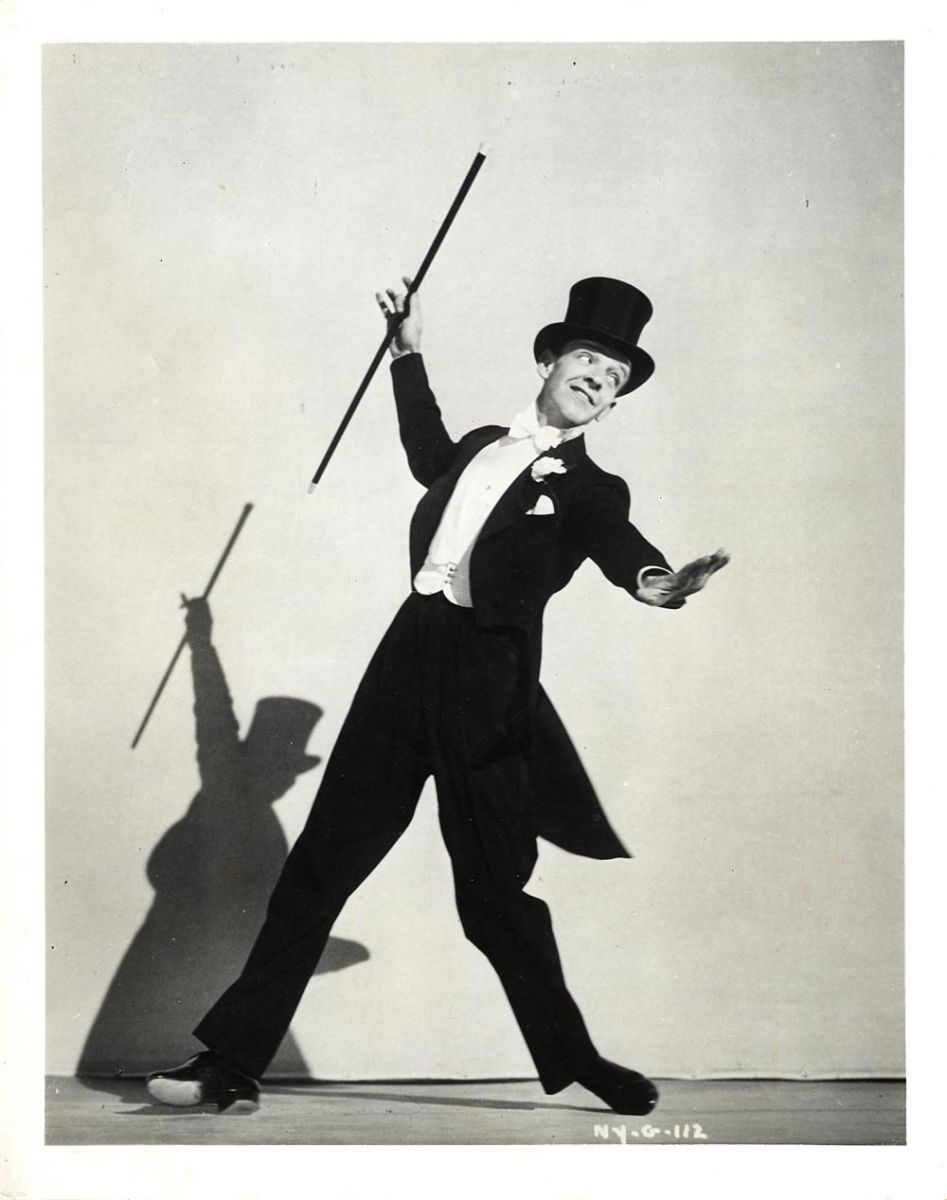 Pin By Bonjour Miaou On My Favorite Dancers Fred Astaire Fred Astaire Dancing Hollywood