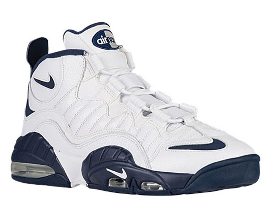 check out 7488b 79033 Nike Is Bringing Back Chris Webber s Shoe In 2016