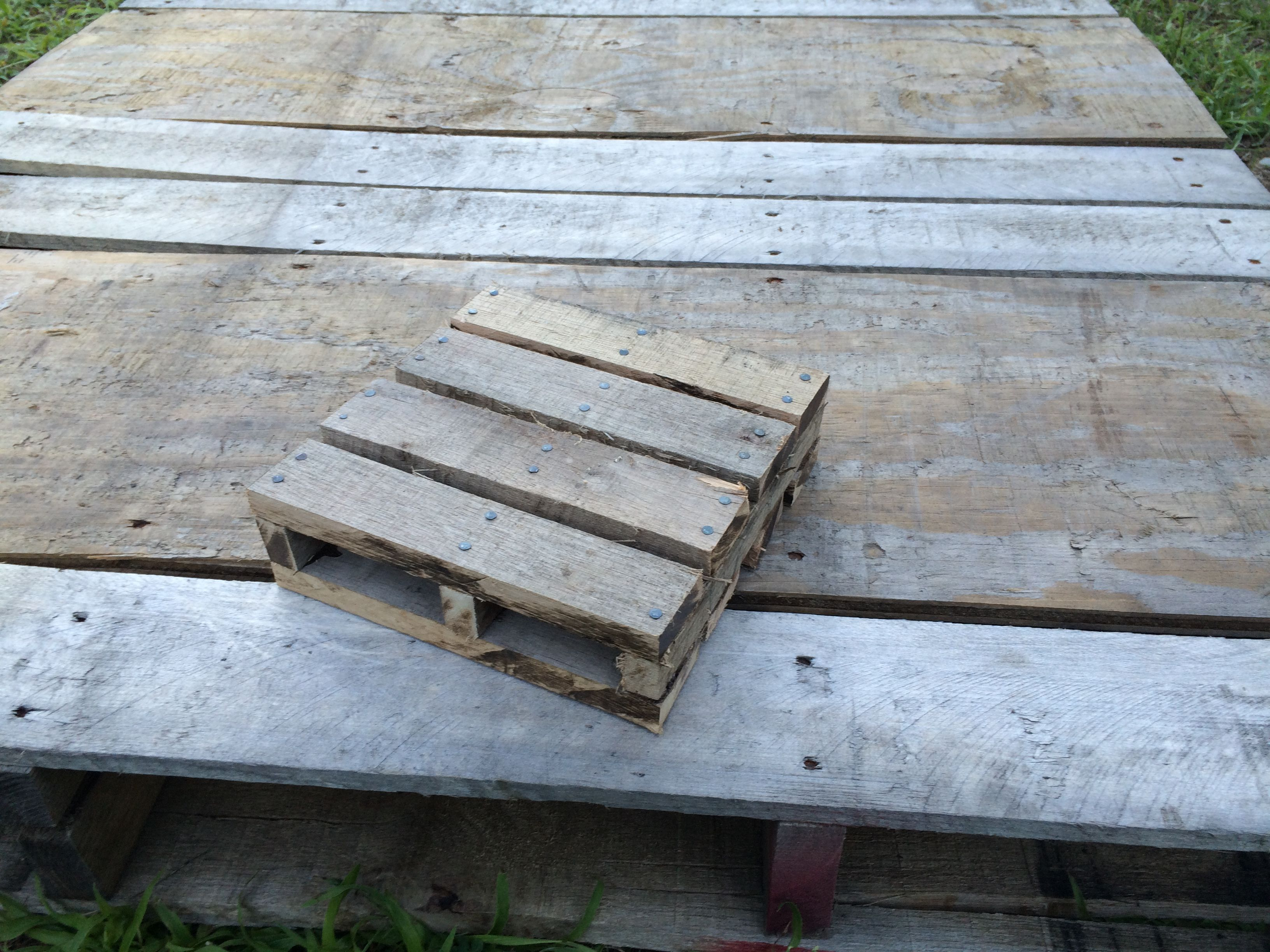 DIY Pallet Prop #oldpalletsforcrafting