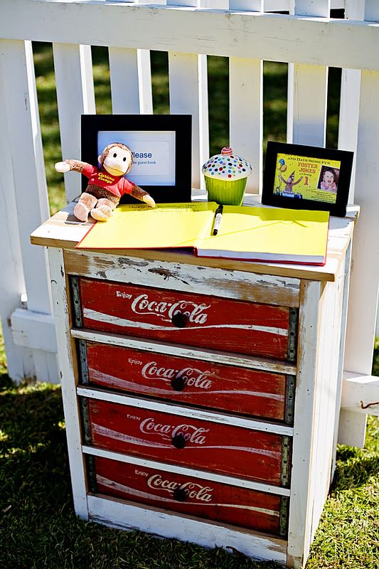 curious george 1st birthday party upcycling m bel upcycling und m bel. Black Bedroom Furniture Sets. Home Design Ideas