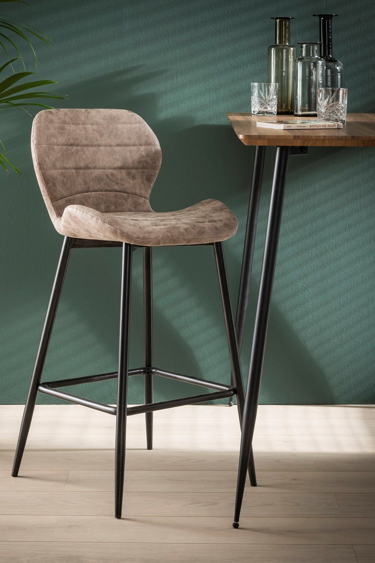 Chaise De Bar Marron Fonce Java En 2020 Chaise Bar Tabouret De Bar Chaise De Bar Design