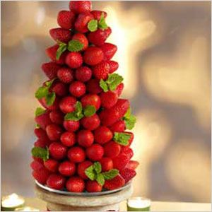 A gorgeous holiday table centerpiece you can eat? Perfection