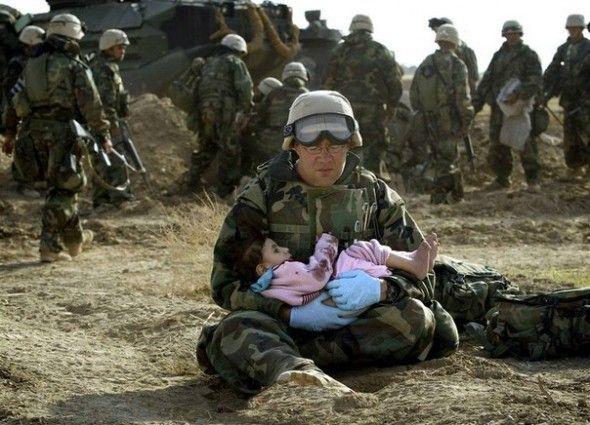 Most Emotional Photographs Of All Times Fotografie Kinderen Oorlog Soldaat