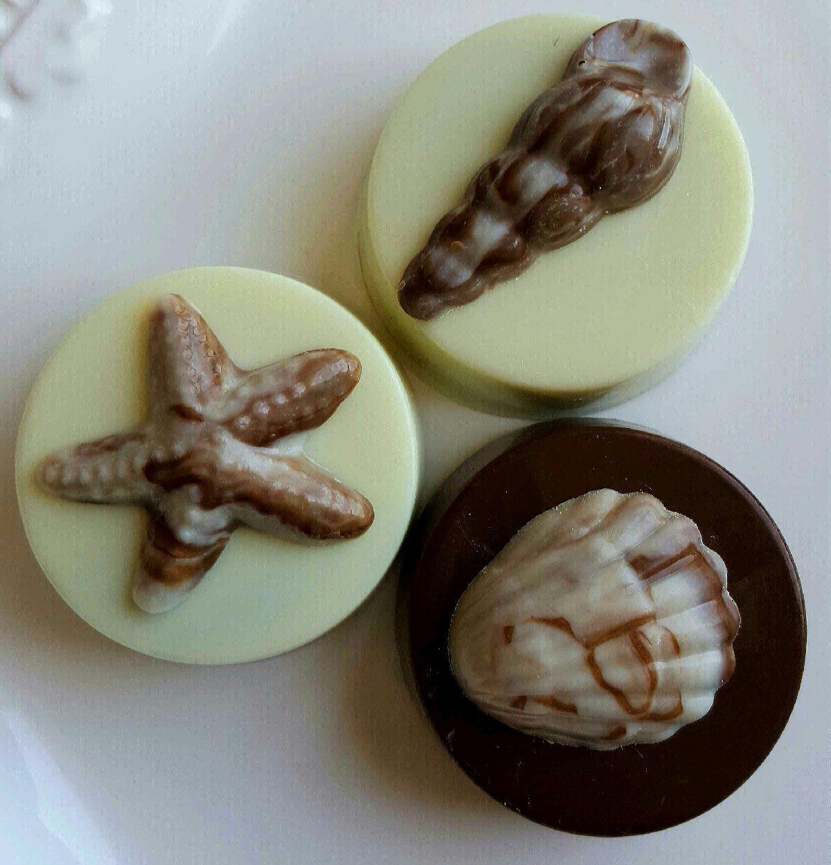 Set of 50! Wedding Favor Chocolate Covered Bavarian Pretzels White Dark Milk Caramel Custom Orders Cellophane /& Ribbon Ready