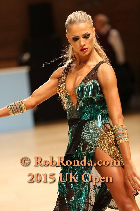 Riccardo cocchi yulia zagoruychenko latin professional for Garderobe yulia