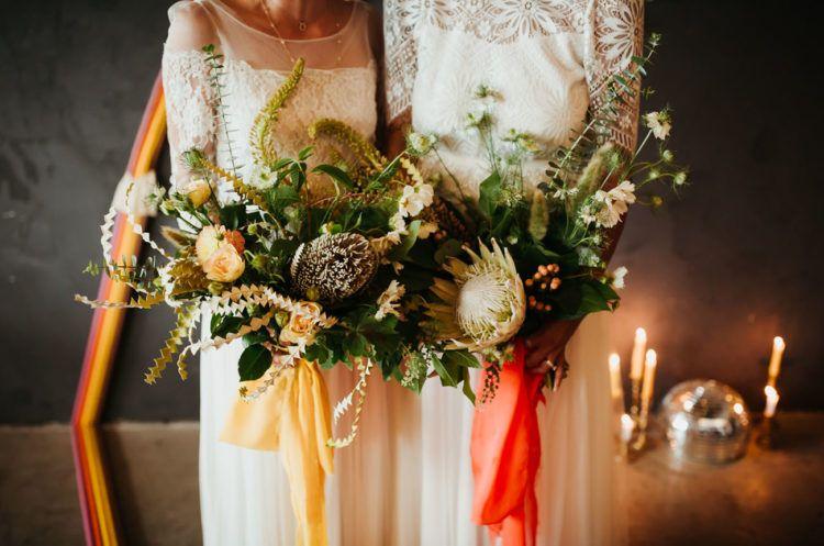70er Jahre Inspirierten Boho Hochzeit Mit Einer Retro Farbpalette Boho Hochzeit Hochzeit Brautstrausse