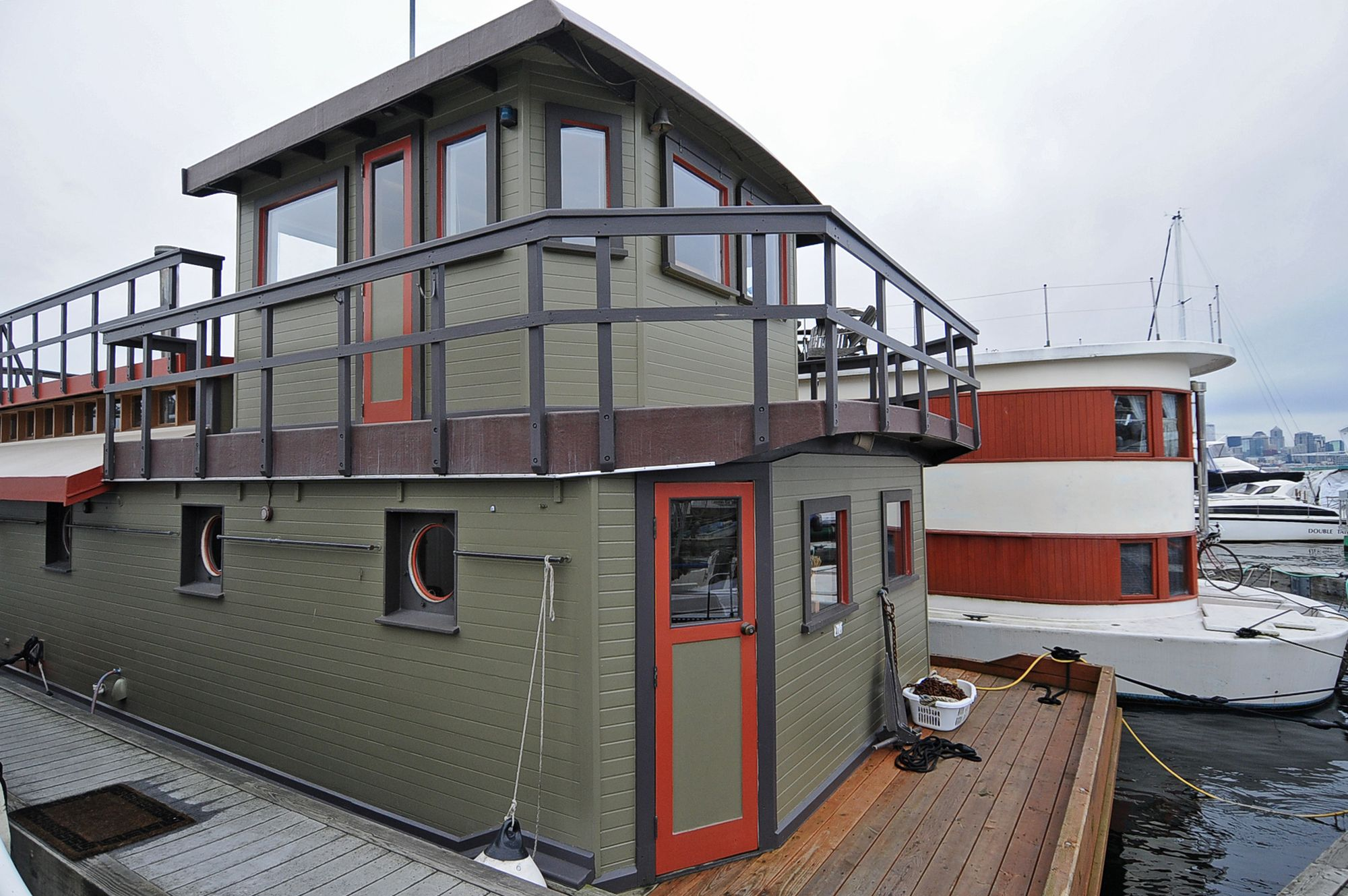 Explore Houseboat Living, Floating Homes, And More! Seattle Houseboats