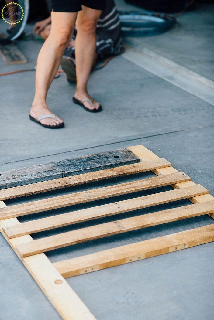 DIY Pallet Board Screen Door   Pallet door, Diy screen ...