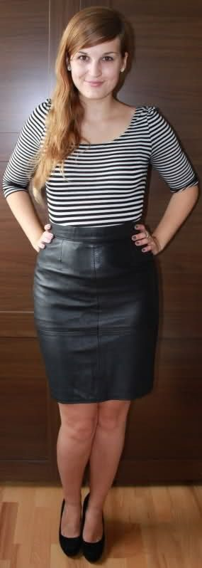 09ceab5f16e Amateur leather skirt outfit | envious of the feminine | Leather ...
